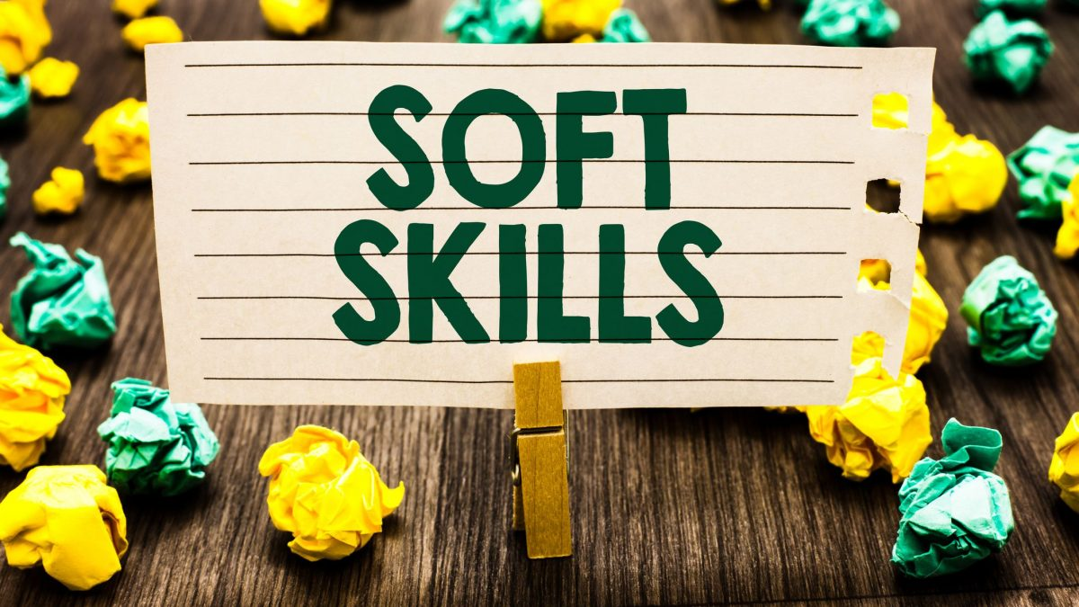 Soft skills e hard skills: o que são e como desenvolver?