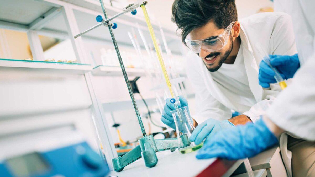 Faculdade de farmácia: entenda sobre o mercado e a profissão