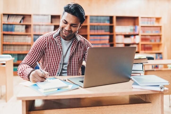 Curso de extensão: o que é e quais são as vantagens para a sua carreira?