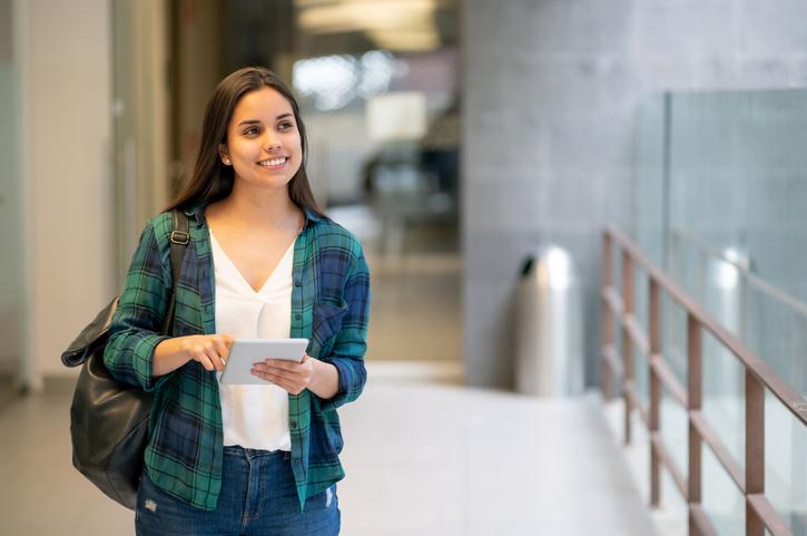 8 razões pelas quais investir em um curso de ensino superior