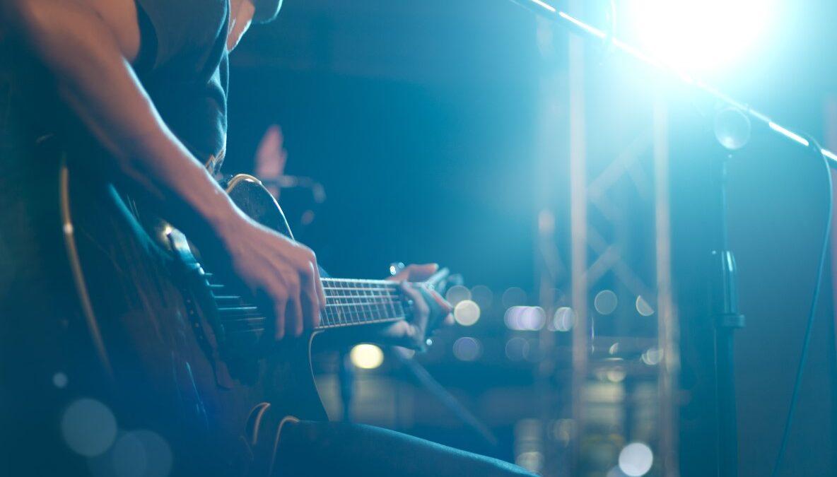Opinião: música solidária – no palco de casa