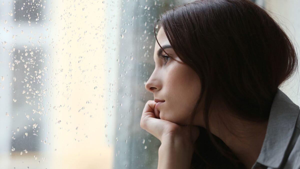 Opinião: efeitos psicológicos causados pelo afastamento social prolongado