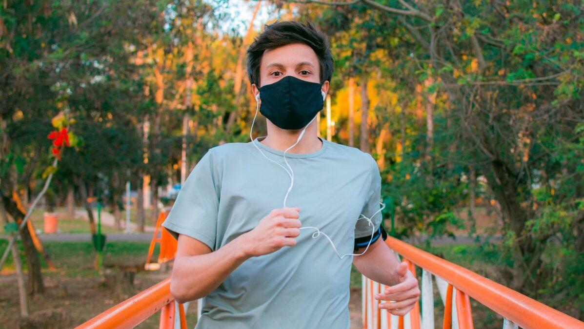 Opinião: as máscaras ajudam ou atrapalham na hora do exercício físico?